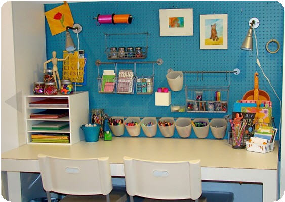 Creative ideas for organizing kids room green real for Organized kids rooms